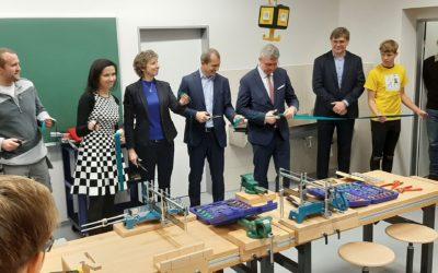 Ministr průmyslu a obchodu jednal se zástupci STAR u příležitosti slavnostního otevření polytechnických dílen na ZŠ Dolní Břežany